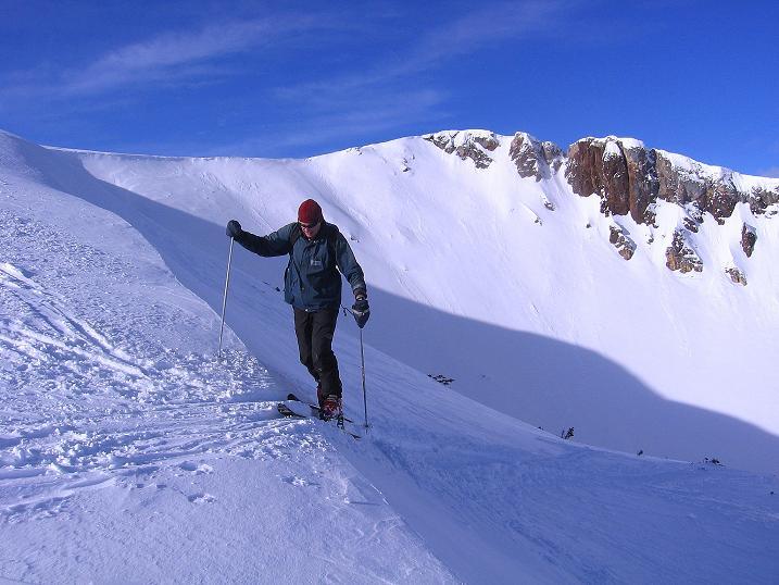 Foto: Andreas Koller / Ski Tour / Über den Leobner (2036m) / Ausstieg zum Gipfelrücken gegen die Leobner Mauer / 25.01.2009 23:39:43