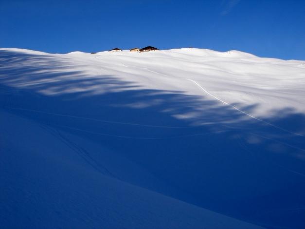 Foto: Manfred Karl / Ski Tour / Vom Gasthof Winkelmoos auf den Karstein / Edenhausenalm, spätestens hier sollte man links abzweigen / 26.01.2009 20:28:36