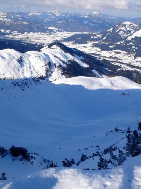 Foto: Manfred Karl / Ski Tour / Vom Gasthof Winkelmoos auf den Karstein / Tiefblick zur Eggeralm / 26.01.2009 20:22:03
