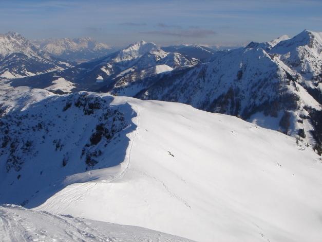 Foto: Manfred Karl / Ski Tour / Vom Gasthof Winkelmoos auf den Karstein / Gipfelgrat, links im Schatten das Nordkar / 26.01.2009 20:19:23