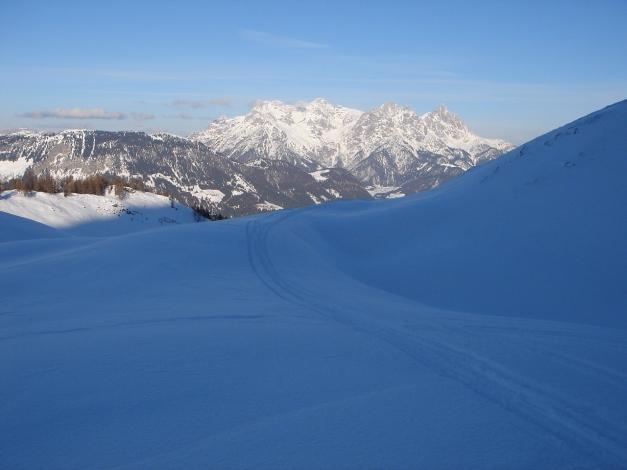 Foto: Manfred Karl / Ski Tour / Vom Gasthof Winkelmoos auf den Karstein / Querung zwischen Eggeralm und Edenhausenalm / 26.01.2009 20:14:06