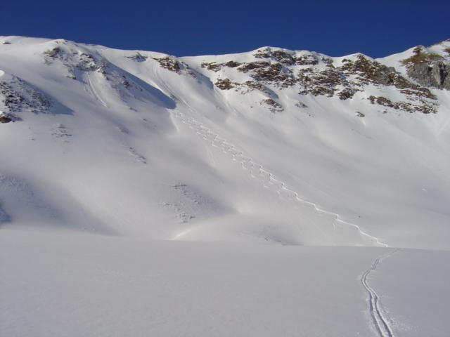 Foto: Manfred Karl / Ski Tour / Schöpfing (2143m) / Hier sollten die Schneeverhältnisse schon sicher sein, wenn man einen der steileren Hänge wählt / 26.01.2009 21:00:23