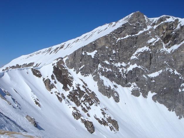 Foto: Manfred Karl / Ski Tour / Durch die Hölle auf das Weißeck / Weißeck Südgrat als Trennlinie Fels - Schnee / 26.01.2009 22:13:16