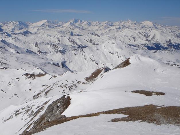 Foto: Manfred Karl / Ski Tour / Durch die Hölle auf das Weißeck / Parade der Tauerngipfel - das Weißeck ist ein exzellenter Aussichtsberg / 26.01.2009 22:08:50