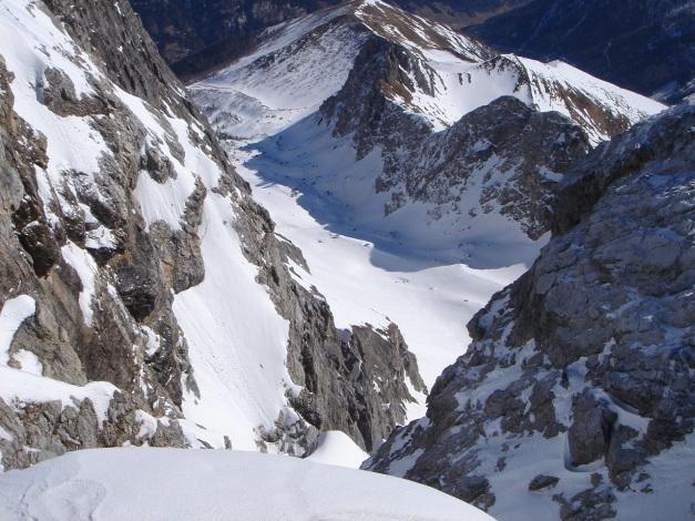 Foto: Manfred Karl / Ski Tour / Durch die Hölle auf das Weißeck / Höllenschlund - Blick in die Hölle vom Gipfel / 26.01.2009 22:08:07