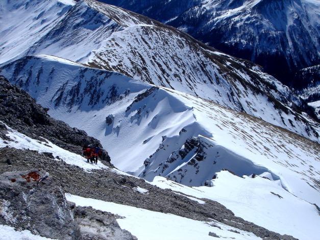 Foto: Manfred Karl / Ski Tour / Durch die Hölle auf das Weißeck / Tiefblick über den Südgrat / 26.01.2009 22:07:19