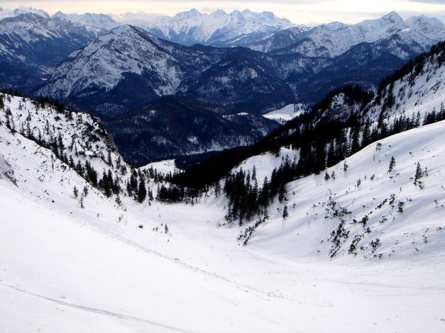 Foto: Manfred Karl / Ski Tour / Zwieselstaufen von Jochberg / Tolle Hänge im oberen Teil des Kares / 27.01.2009 07:36:26