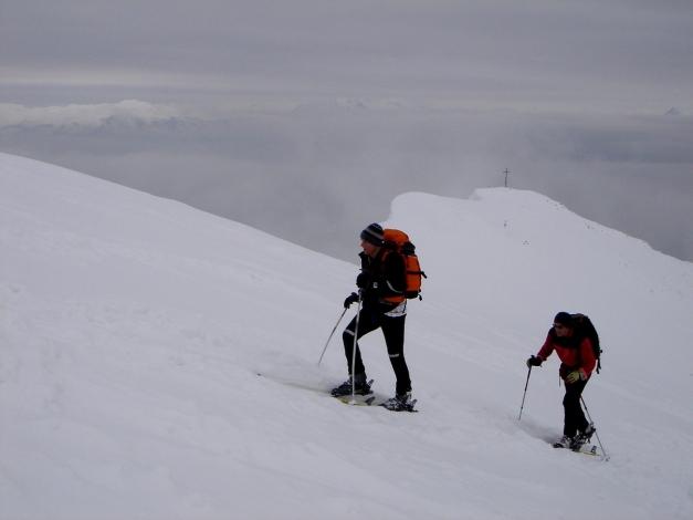 Foto: Manfred Karl / Ski Tour / Zwieselstaufen von Jochberg / Aufstieg zum Zwiesel bei Schlechtwetter, im Hintergrund Zenokopf / 27.01.2009 07:32:22
