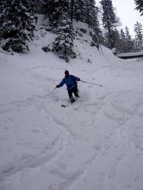 Foto: Manfred Karl / Ski Tour / Zwieselstaufen von Jochberg / Bei Pulverschnee und wenn nicht zu viele Spuren drin sind, lässt es sich hier gut runterfahren / 27.01.2009 07:30:07