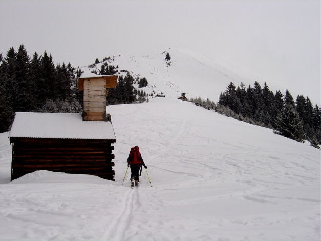 Foto: Manfred Karl / Ski Tour / Joch (2052m) / Keine Kapelle, sondern ein Hochstand! / 28.01.2009 14:28:23