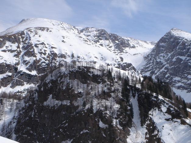Foto: Manfred Karl / Ski Tour / Schneibstein, Bockskehl Abfahrt / Schneibstein und Reinersberg, links neben dem Reinersberg das Kar der Bockskehl / 28.01.2009 22:47:09