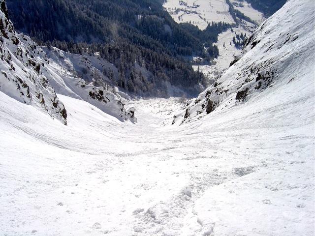 Foto: Manfred Karl / Ski Tour / Schartwand, 2339 m und Brietkogel, 2316 m / Tiefblick in der Rinne / 29.01.2009 19:02:18