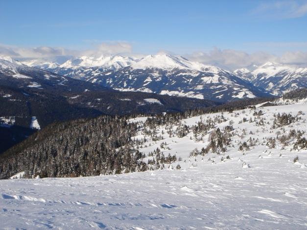 Foto: Manfred Karl / Ski Tour / Über die Steffeialm auf den Wirtsnock / In Bildmitte Speiereck / 29.01.2009 19:46:56