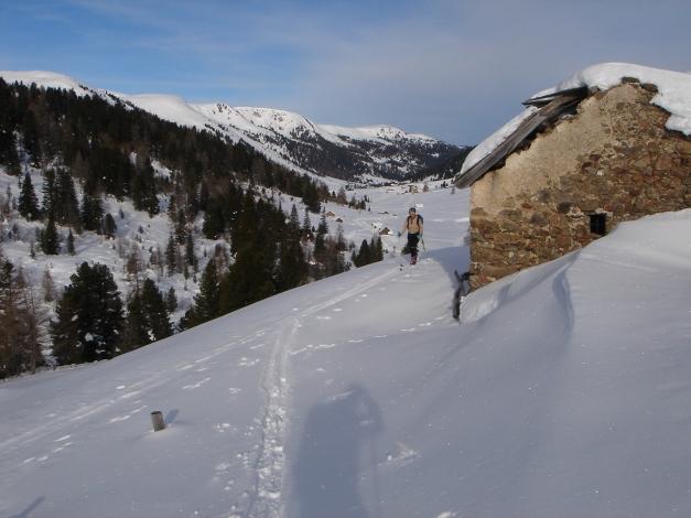 Foto: Manfred Karl / Ski Tour / Rosaninhöhe, 2280 m / Blick zurück ins Rosanintal / 29.01.2009 20:47:58