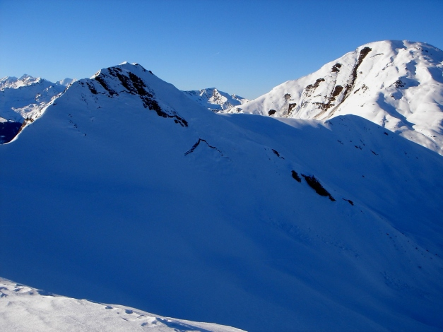 Foto: Manfred Karl / Ski Tour / Drei Gipfel im ruhigeren Eck der Toferer Alm / Throneck, rechts der Gamskarkogel / 29.01.2009 21:31:34