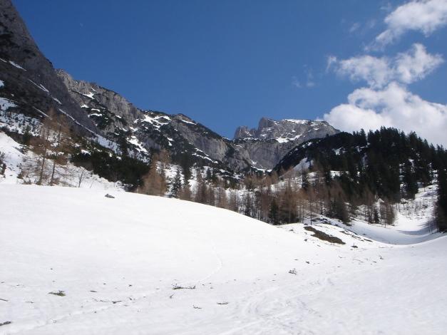 Foto: Manfred Karl / Ski Tour / DER Strichkogelklassiker über das Sulzkar und das Tiefenkar / Ein schönes Kar öffnet sich / 29.01.2009 22:42:36