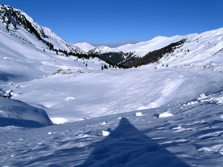 Foto: Andreas Koller / Ski Tour / Impressionen am Flüelapass (2606 m) / Ausgangspunkt Gasthaus Tschuggen im Flüelatal südöstlich von Davos / 09.02.2009 01:00:59