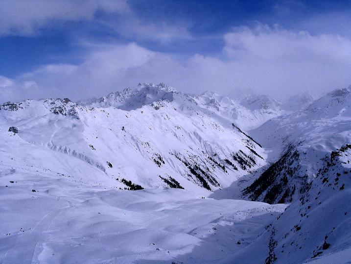 Foto: Andreas Koller / Ski Tour / Von der Madrisa aufs Rätschenhorn (2703m) / Rotbühel (2854 m) und Silvretta / 10.02.2009 19:59:40