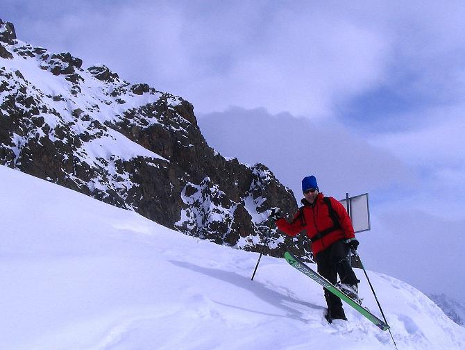 Foto: Andreas Koller / Ski Tour / Von der Madrisa aufs Rätschenhorn (2703m) / Unterhalb der Madrisahorn S-Abstürze / 10.02.2009 19:56:43