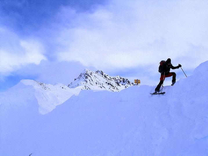 Foto: Andreas Koller / Ski Tour / Von der Madrisa aufs Rätschenhorn (2703m) / Kurzer, aber steiler Abstieg vom Rätschenjoch / 10.02.2009 19:54:02