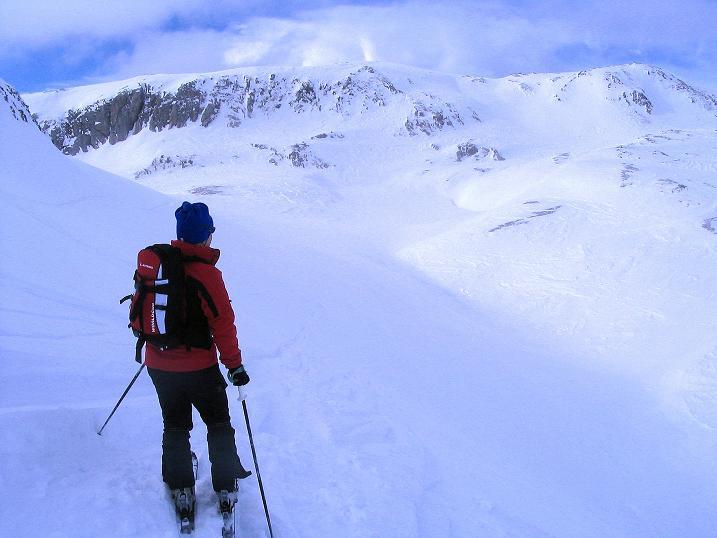 Foto: Andreas Koller / Ski Tour / Von der Madrisa aufs Rätschenhorn (2703m) / Man läuft geradewegs auf das Rätschenhorn zu / 10.02.2009 19:50:54