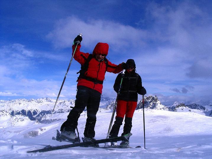 Foto: Andreas Koller / Ski Tour / Von der Madrisa aufs Rätschenhorn (2703m) / Nichts ist einfach bei diesem Föhnsturm / 10.02.2009 19:43:32