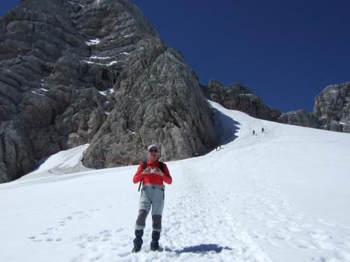 Foto: hofchri / Wander Tour / Hoher Dachstein (2995 m) von der Bergstation Hunerkogel (2687 m) / Zustieg zum Schulteranstieg links / 10.02.2009 19:01:33