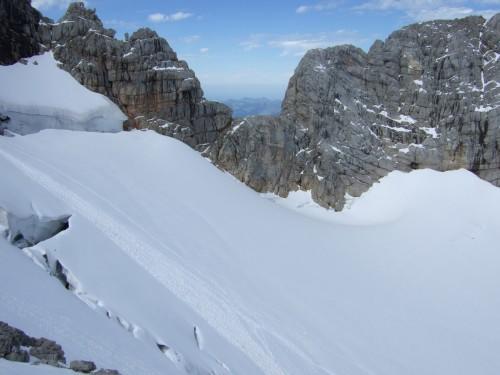 Foto: hofchri / Wander Tour / Hoher Dachstein (2995 m) von der Bergstation Hunerkogel (2687 m) / Blick im Schulteranstieg zur Randkluft / 10.02.2009 19:02:00