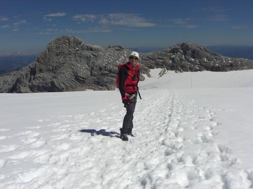 Foto: hofchri / Wander Tour / Hoher Dachstein (2995 m) von der Bergstation Hunerkogel (2687 m) / Weg am Gletscher zurück zur Bergstation / 10.02.2009 19:05:29