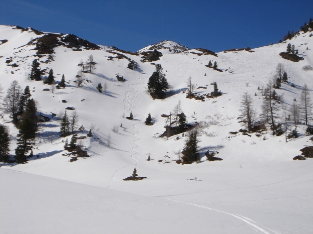 Foto: Manfred Karl / Ski Tour / Schwarzeck, Fuchskar / Der kurze Osthang unterhalb der Jagdhütte / 15.02.2009 14:08:54