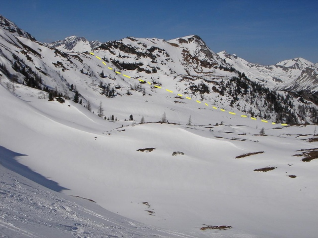 Foto: Manfred Karl / Ski Tour / Schwarzeck, Fuchskar / Eingezeichnet ist die Abfahrt von der Jagdhütte Richtung Neuwirtshütte / 15.02.2009 14:08:08