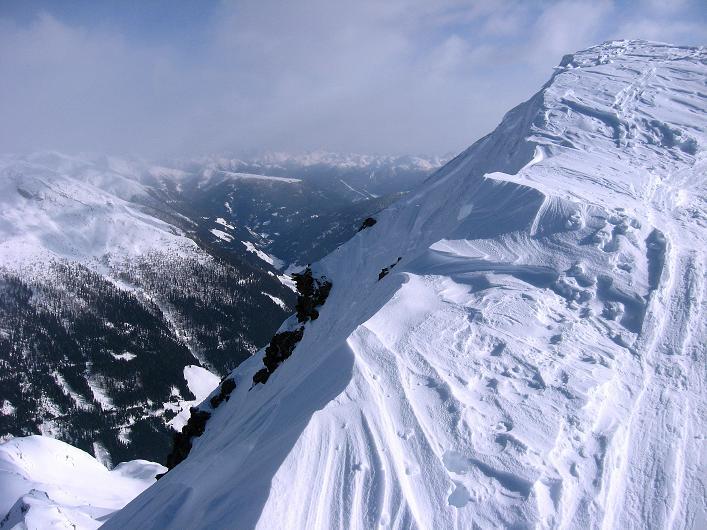 Foto: Andreas Koller / Ski Tour / Rotlahner (2748m) - Paradetour im Gsiesertal  / Leicht ausgesetzter Grat im oberen Teil / 16.02.2009 00:57:42