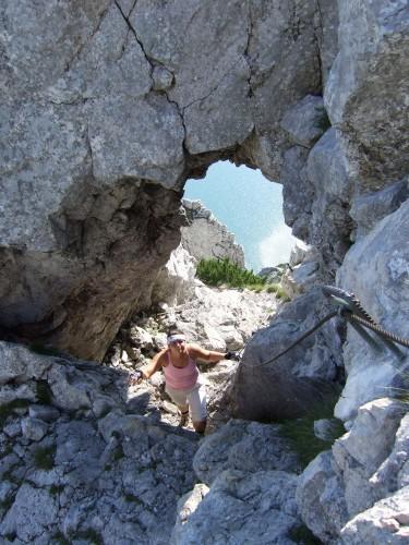 Foto: hofchri / Klettersteig Tour / Traunstein (1691 m) - Die Klettersteig-Quadrilogie / Felsenfenster am Naturfeundesteig / 20.02.2009 20:17:04