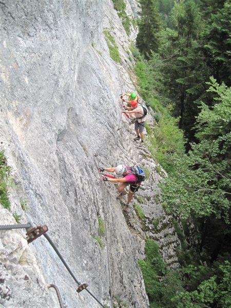 Foto: Heidi Schützinger / Klettersteig Tour / Predigstuhl (1278 m) - Die Klettersteig-Trilogie / Der Fels bietet für die Füße wunderbare Reibungskletterei / 24.07.2015 18:48:08