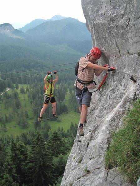 Foto: Heidi Schützinger / Klettersteig Tour / Predigstuhl (1278 m) - Die Klettersteig-Trilogie / Wir haben die Doppelseilbrücke auf dem Weg vom Mein Land Dein Land Klettersteig  zum Leadership Klettersteig auch noch gemeistert / 24.07.2015 18:46:31