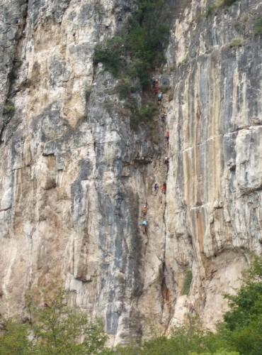 """Foto: hofchri / Klettersteig Tour / Monte Albano (695 m) über Ferrata """"Monte Albano""""  / die Einstiegswand (D) mit steiler Verschneidung (D) / 20.02.2009 21:28:31"""