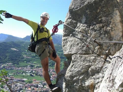 """Foto: hofchri / Klettersteig Tour / Monte Albano (695 m) über Ferrata """"Monte Albano""""  / am steilen Kamin (C) / 20.02.2009 21:33:29"""