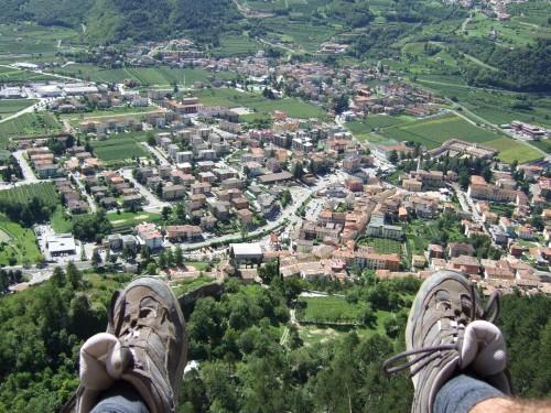"""Foto: hofchri / Klettersteig Tour / Monte Albano (695 m) über Ferrata """"Monte Albano""""  / luftige Jausenpause / 20.02.2009 21:34:36"""
