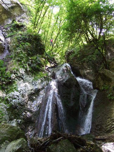 "Foto: hofchri / Klettersteig Tour / Castello di Drena (350 m) über Ferrata ""Rio Sallagoni""  / die neue Dreiseilbrücke / 18.05.2010 19:47:24"