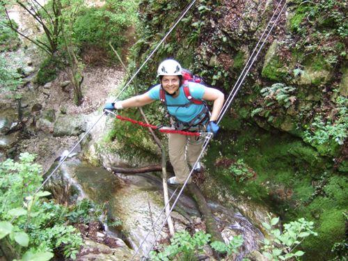 """Foto: hofchri / Klettersteig Tour / Castello di Drena (350 m) über Ferrata """"Rio Sallagoni""""  / nach der feuchten, erdigen Wandstelle / 18.05.2010 19:48:40"""