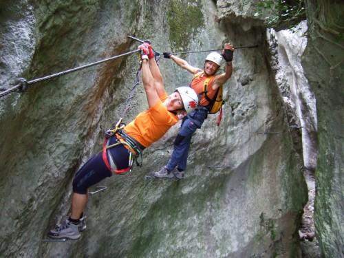 """Foto: hofchri / Klettersteig Tour / Castello di Drena (350 m) über Ferrata """"Rio Sallagoni""""  / der schwierige Abschnitt ist geschafft / 20.02.2009 21:05:15"""