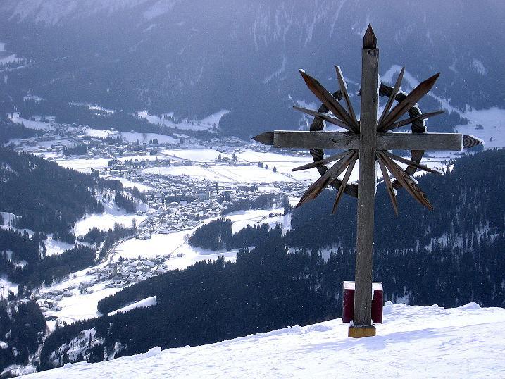 Foto: Andreas Koller / Ski Tour / Genusstour aufs Hochhorn (2623m) / Tiefblick vom Golfen auf Toblach / 23.02.2009 00:22:18