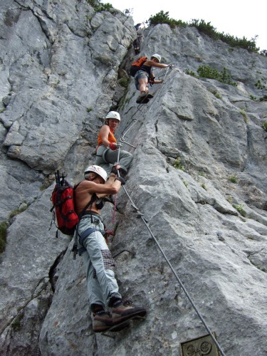 """Foto: hofchri / Klettersteig Tour / Steinplatte (1869m) über """"s´Schuasta Gangl-Klettersteig"""" / luftige Himmelsleiter auf den Pfeiler (C) / 25.02.2009 12:12:18"""