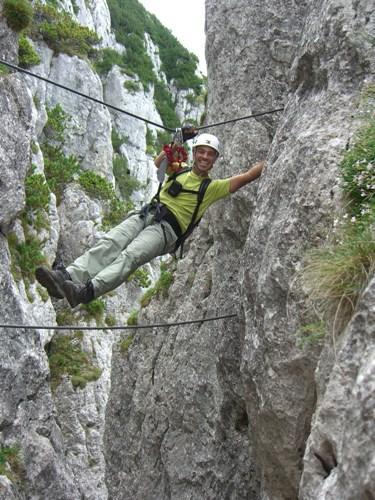 """Foto: hofchri / Klettersteig Tour / Steinplatte (1869m) über """"s´Schuasta Gangl-Klettersteig"""" / Seilbrücke (B) nach dem Turm / 25.02.2009 12:15:09"""