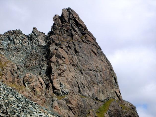 Foto: Manfred Karl / Klettersteigtour / Über den Westgrat Klettersteig auf die Blauspitze / Vom Zustieg hat man einen guten Einblick in den Klettersteig / 26.02.2009 21:25:48