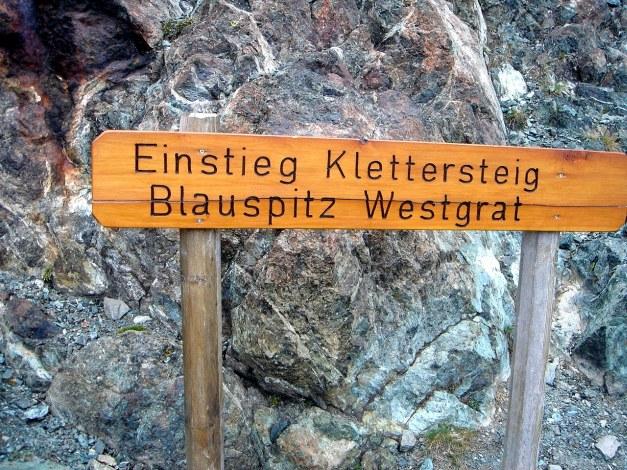 Foto: Manfred Karl / Klettersteigtour / Über den Westgrat Klettersteig auf die Blauspitze / Nicht zu übersehen! / 26.02.2009 21:22:03