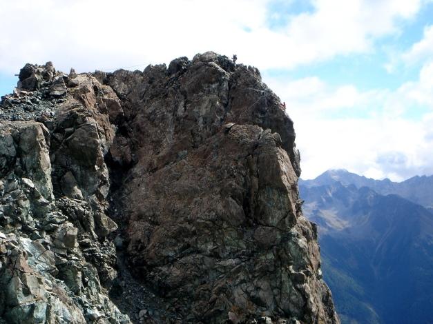 Foto: Manfred Karl / Klettersteigtour / Über den Westgrat Klettersteig auf die Blauspitze / Das flache Gratstück des Klettersteiges zum Gipfel / 26.02.2009 21:17:01