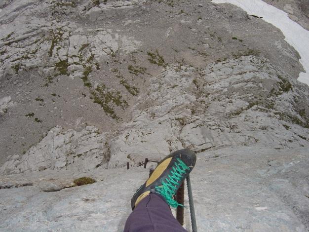 Foto: Manfred Karl / Klettersteig Tour / Wildkar Klettersteig / Luftiger Tiefblick / 28.02.2009 09:56:24