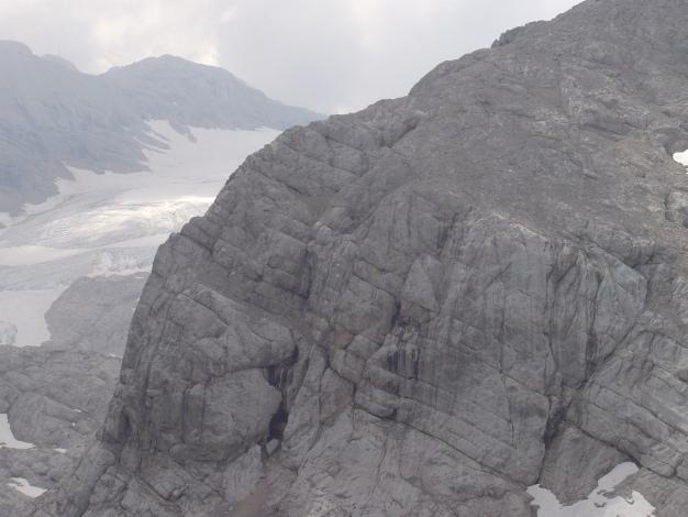 Foto: Manfred Karl / Klettersteig Tour / Wildkar Klettersteig / Der Wildkarsteig verläuft entlang der steilen Pfeilerkante. / 28.02.2009 09:55:26