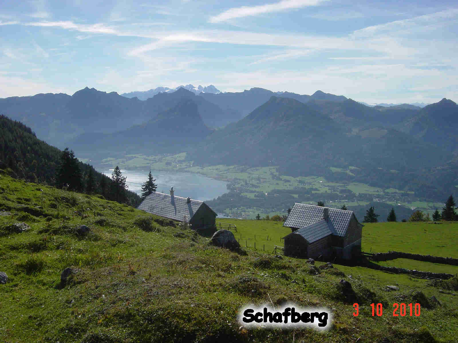 Foto: smirk / Wander Tour / Schafberg (1782 m) von Winkl / Blick vom Materl - übern Wolfgangsee / 09.11.2010 22:13:05